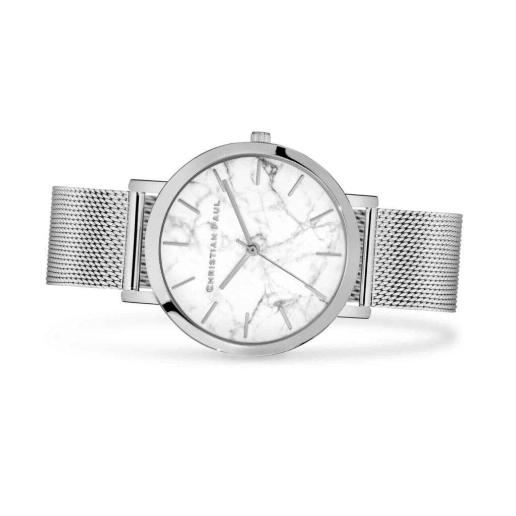 """היימן רשת שעון לגבר בצבע כסף שעון מיוחד לגבר עם רקע בטקסטורת שיש לבן וייחודי בקוטר 43 מ""""מ. רצועת רשת איכותית הניתנת להחלפה, בכדי להתאים לכל סגנון."""